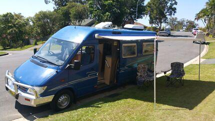 Mercedes motor home Ashmore Gold Coast City Preview
