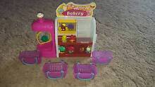 Shopkins: Bakery set with 9 Shopkins Bray Park Pine Rivers Area Preview