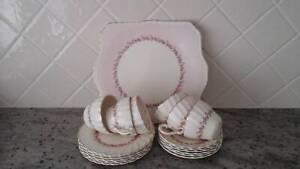 6 Cup saucers & cake plate set