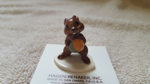 Hagen Renaker Chipmunk with Acorn Figurine Miniature New Free Shipping 00081