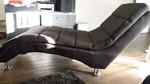 2 x CHAISE LOUNGES FOR SALE $160 FOR BOTH PRICE DROP Mudgeeraba Gold Coast South Preview
