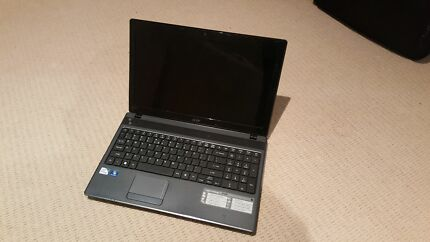 2x broken screen laptops Metford Maitland Area Preview