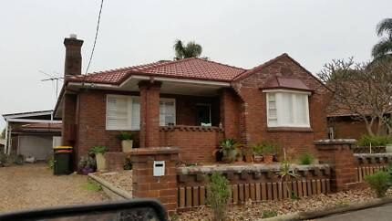 2 Bedroom House or 2 Bedrooms Separate For Rent Mayfield