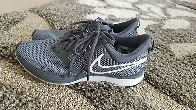 NIKE Zoom Strike AJ0188-002 Athletic Running Shoes Womens Size 9 White / Grey