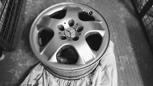 Mags Mercedes originaux 17 pouces