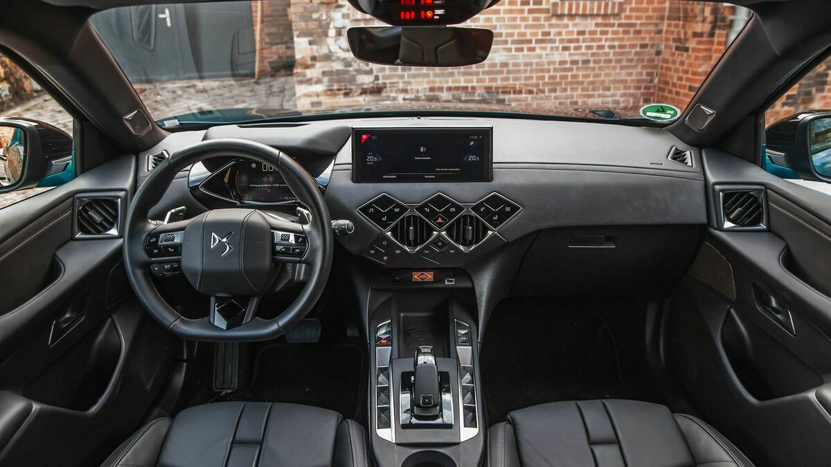 DS3 Crossback Cockpit