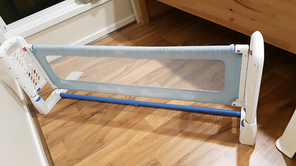 Safety 1st bed rail in great condition