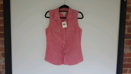 BNWT Levis Sleeveless Red & White Gingum Top M FREE POSTAGE