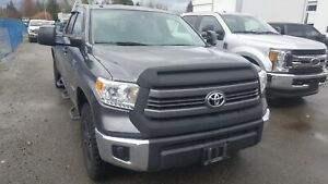 2015 Toyota Tundra SR5 5.7L V8 LOW KMS, ACCIDENT FREE, BC LOCAL