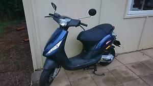 2014 piaggio zip 50 scooter Kallangur Pine Rivers Area Preview