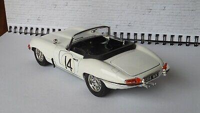 Jaguar E-Type Roadster (1/18 Burago) - lovely model