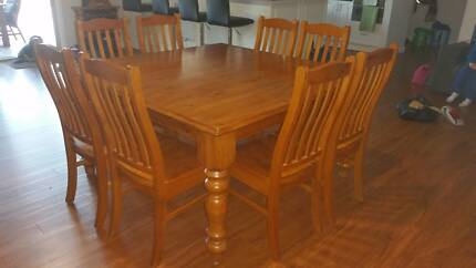 SOLID WOOD 8 SEAT DINING TABLE 150X150 CM McLaren Flat Morphett Vale Area Preview