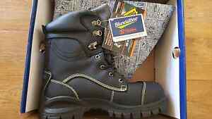 Blundstone work boots brand new in box Shoalwater Rockingham Area Preview
