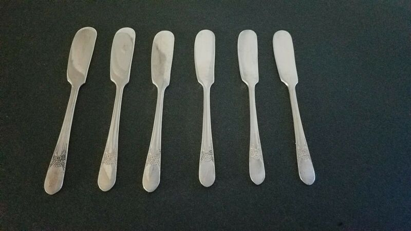 """VINTAGE """"BELOVED"""" SILVERPLATE WM. ROGERS  INDIVIDUAL BUTTER KNIVES"""