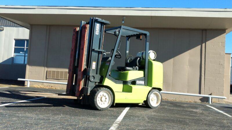 Clark GC55L  Forklift  Lift Truck 10k lift