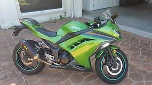 2013 Kawasaki ninja abs model  300cc + gear North Lakes Pine Rivers Area Preview