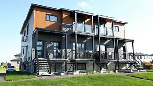 PROMO  FREE MONTH-Brand NEW 6 luxurious Condos for rent- Embrun