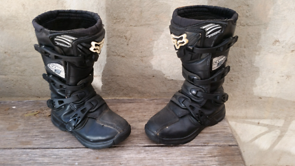 Motorcross boots size 5