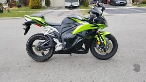 2009 Honda CBR 600rr Completely Stock and runs excellent