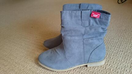 Lee Cooper boots size 8 (fit size 7) Joondalup Joondalup Area Preview