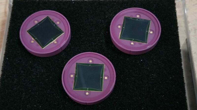 1 PCs Hamamatsu S1880 Two-dimensional PSD Silicon Photo Diode