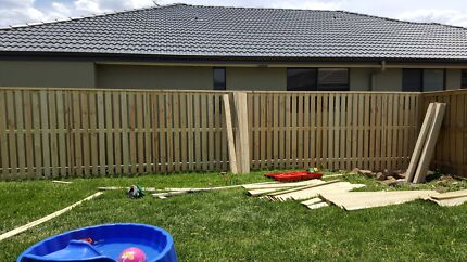 Jays Fencing and Landscaping