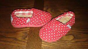 Toddler 5T red polka dot TOMS.