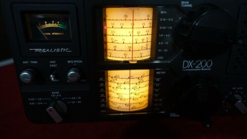 Vintage Realistic DX-200 5-Band Communications Receiver