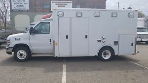 2009 Ford Econoline Commercial Cutaway ambulance