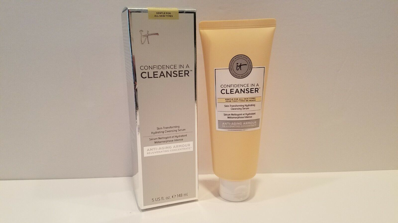it Cosmetics Confidence In A Cleanser Anti-Aging Armour~ 5 f