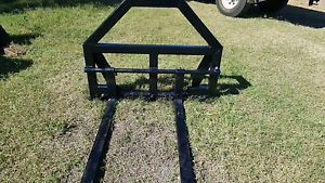 Carriage for Tractor loader. Blenheim Lockyer Valley Preview