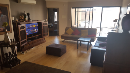 Double room with own bathroom North Perth
