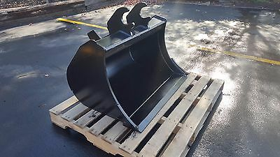 New 36 Ditch Cleaning Bucket For A John Deere 27 Zts