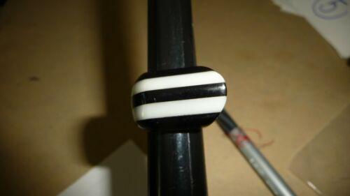 #714X/4  vtg costume RING MOD RETRO  Sz 5 1/2  Black & White Stripe PLASTIC