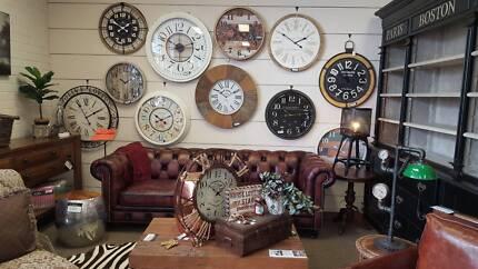 Clock, 60-90cm round PerFurEmp