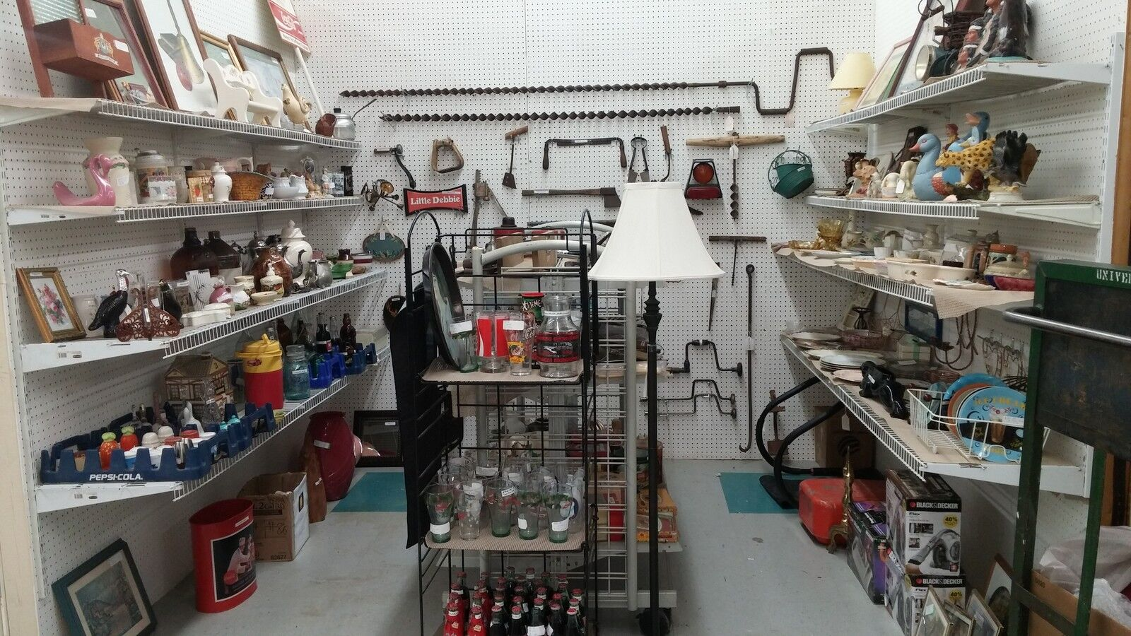 Johns Antiques and Collectibles