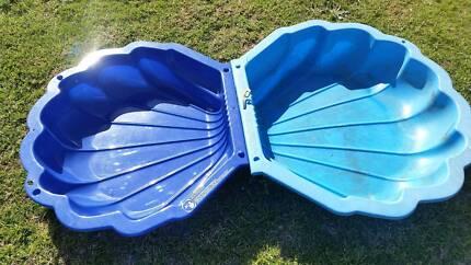 Clam Shell sand pit or splash pool South Bunbury Bunbury Area Preview