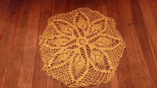 VINTAGE HAND CROCHET YELLOW  LARGE ROUND DOILIE FREE SHIPPING
