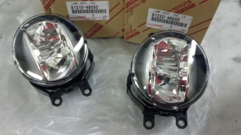 LEXUS LX 570 GENUINE FOG LIGHT SET 81220-48050