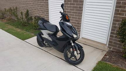 1991 Yamaha Aerox Midnight Black Scooter bike motorbike vespa
