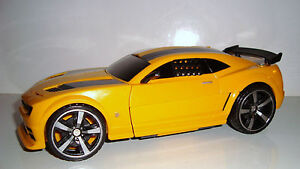 magnifique voiture transformers bumblebee sonore et lumineuse chevrolet camaro ebay. Black Bedroom Furniture Sets. Home Design Ideas