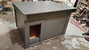 Cheap insulated dog house / cat house