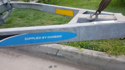 Dunbier trailer suit 4.5m- 5.2m boat