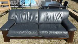 2 Seater Leather Lounge Old Bar Greater Taree Area Preview