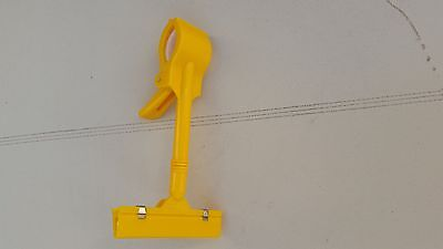 New 5pcs Yellow Plastic Display Sign Clamps Clips Price Tag Clips 6 12 Tall