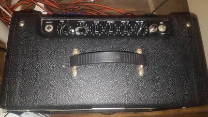 Fender blues junior 3 electric guitar valve amp. $500 not neg