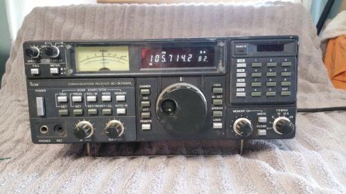 ICOM IC-R7000 Communications Receiver-Amateur Radio Covers 25-999 & 1025-2000
