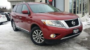 2014 Nissan Pathfinder SL 4WD - LEATHER! BACK-UP CAM! 7 PASS!