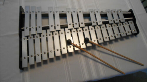 Pearl 32 key Student Xylophone - Glockenspiel  With Case