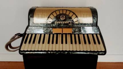 CAMERANO Accordion, Made by Scandalli, VGC just full serviced